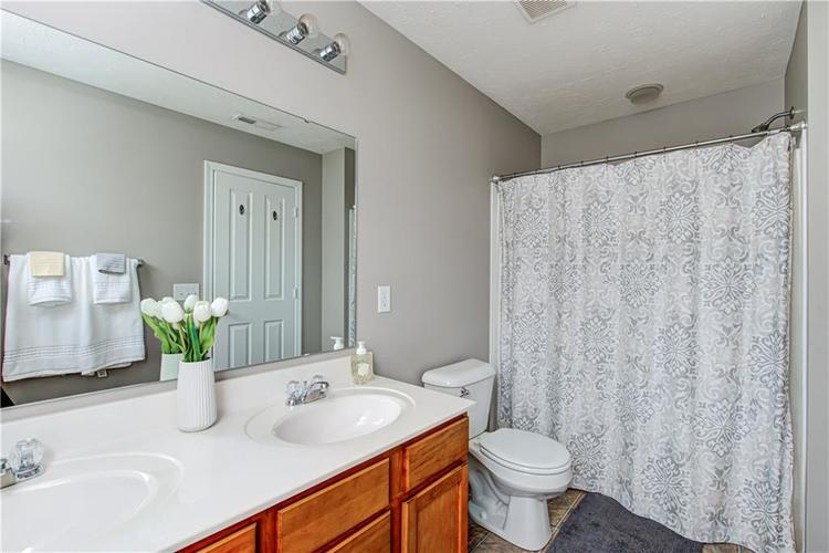9081 Rider Drive Fishers IN 46038 | MLS 21712530 | photo 18