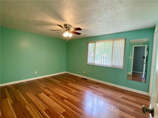 3223 Corey Drive Indianapolis IN 46227 | MLS 21712532 | photo 11