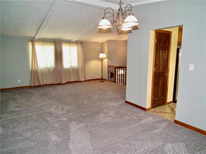 3223 Corey Drive Indianapolis IN 46227 | MLS 21712532 | photo 5