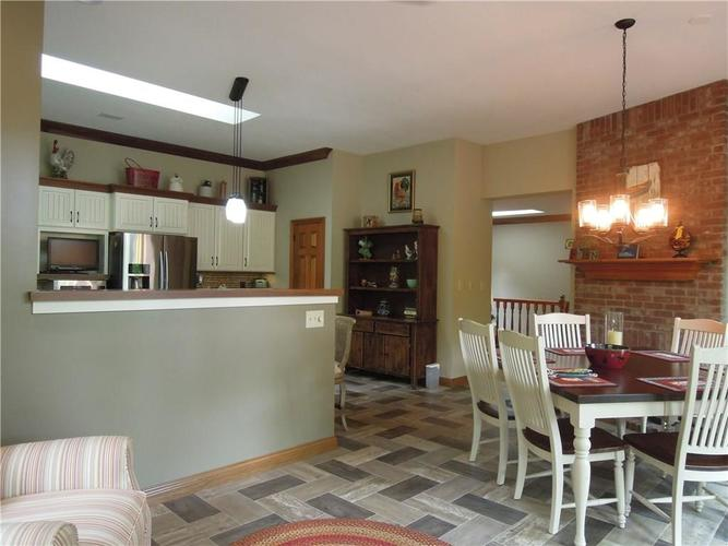 6740 E Woodland Court Mooresville IN 46158 | MLS 21712561 | photo 10