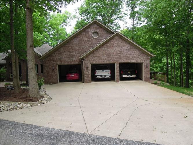 6740 E Woodland Court Mooresville IN 46158 | MLS 21712561 | photo 8