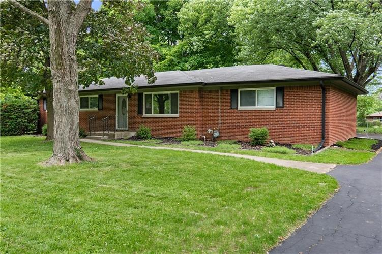 1315 HATHAWAY Drive Indianapolis IN 46229 | MLS 21714627 | photo 3