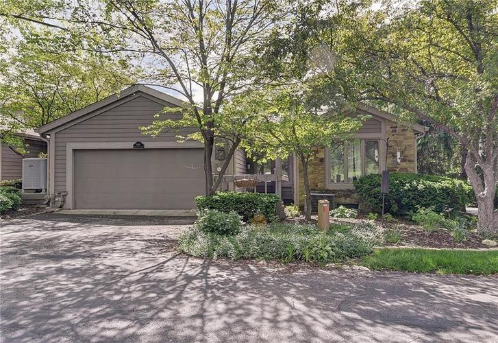 8461 Bay Point Drive Indianapolis IN 46240   MLS 21714635   photo 1
