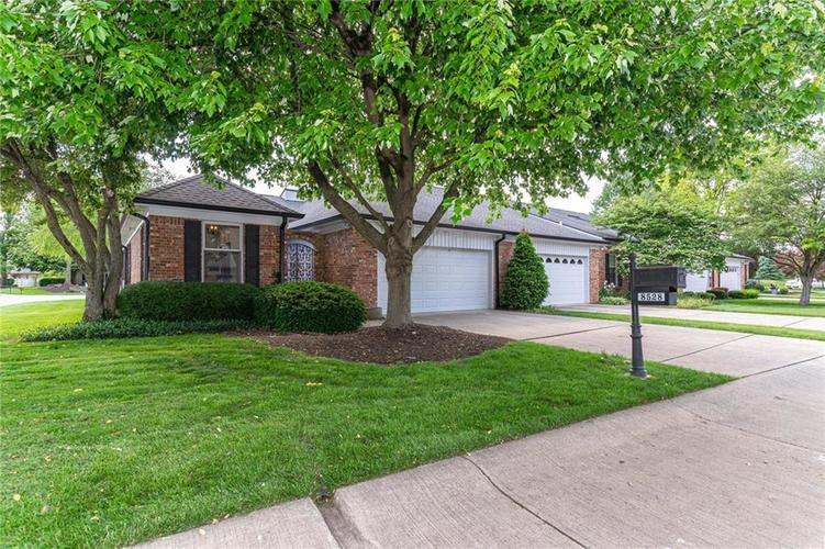 8528 Quail Hollow Road Indianapolis IN 46260 | MLS 21714649 | photo 1