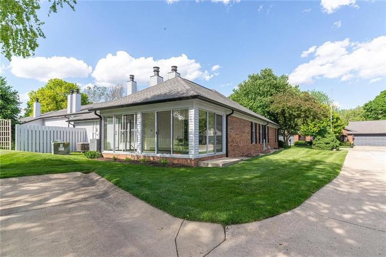 8528 Quail Hollow Road Indianapolis IN 46260 | MLS 21714649 | photo 34