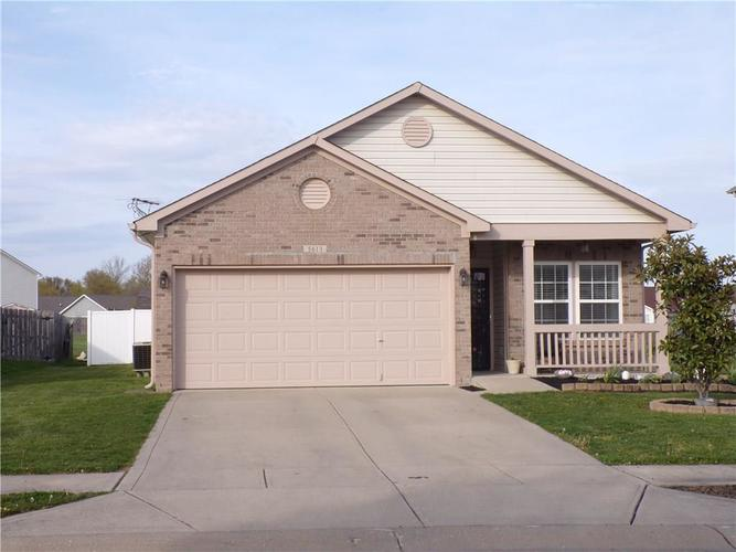 5613 SWEET RIVER Drive Indianapolis IN 46221 | MLS 21714681 | photo 1