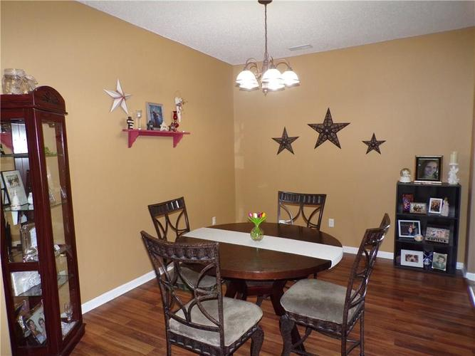 5613 SWEET RIVER Drive Indianapolis IN 46221 | MLS 21714681 | photo 6