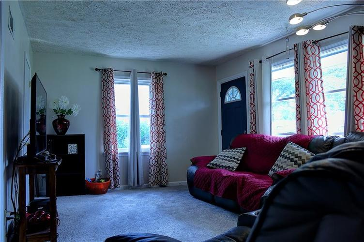 1809 Bauer Road Indianapolis IN 46218 | MLS 21714715 | photo 2