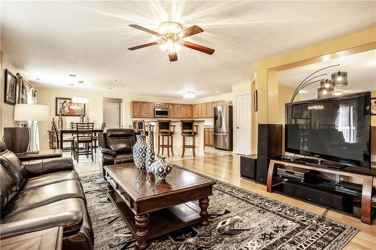 8141 HARSHAW Drive Indianapolis IN 46239 | MLS 21714787 | photo 10