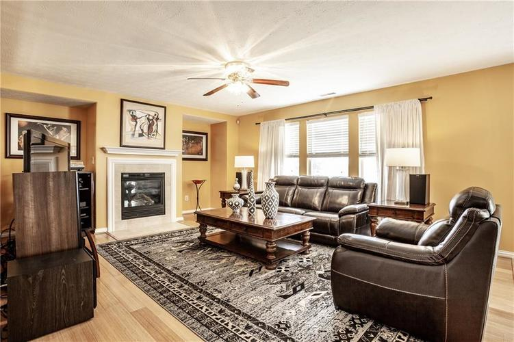 8141 HARSHAW Drive Indianapolis IN 46239 | MLS 21714787 | photo 11