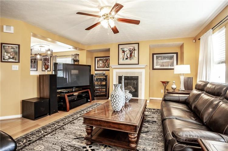 8141 HARSHAW Drive Indianapolis IN 46239 | MLS 21714787 | photo 12