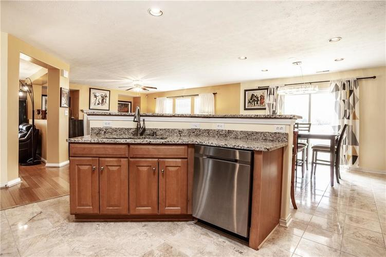 8141 HARSHAW Drive Indianapolis IN 46239 | MLS 21714787 | photo 17