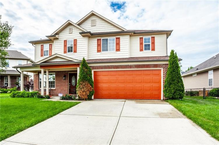 8141 HARSHAW Drive Indianapolis IN 46239 | MLS 21714787 | photo 2