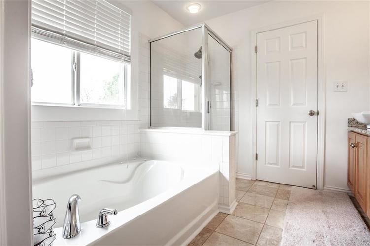 8141 HARSHAW Drive Indianapolis IN 46239 | MLS 21714787 | photo 25