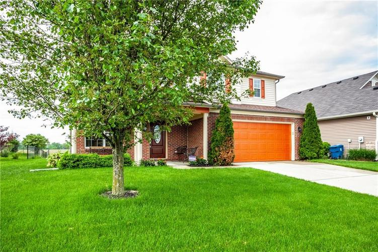 8141 HARSHAW Drive Indianapolis IN 46239 | MLS 21714787 | photo 3