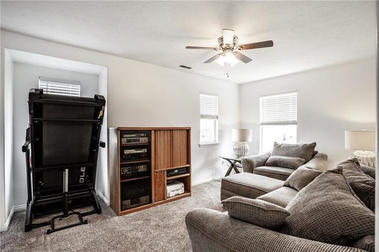 8141 HARSHAW Drive Indianapolis IN 46239 | MLS 21714787 | photo 30
