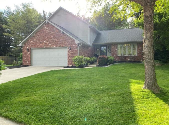 4522 Annelo Circle Greenwood IN 46142 | MLS 21714815 | photo 1