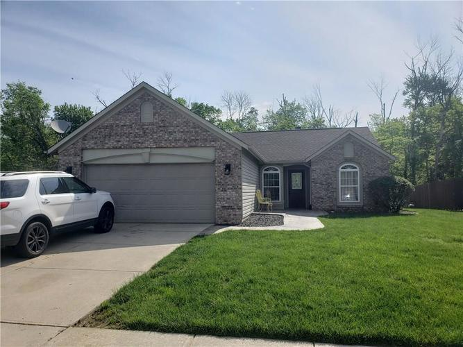 6315 Coconut Court Indianapolis IN 46217 | MLS 21714821 | photo 1