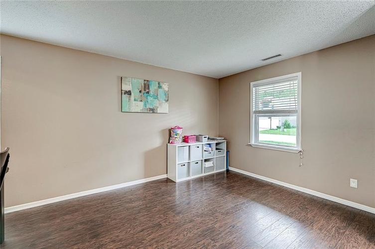3377 Spring Wind Lane Indianapolis IN 46239 | MLS 21714825 | photo 10