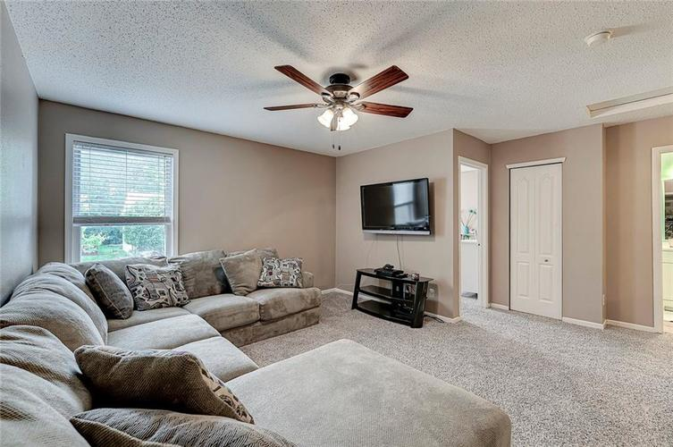 3377 Spring Wind Lane Indianapolis IN 46239 | MLS 21714825 | photo 18