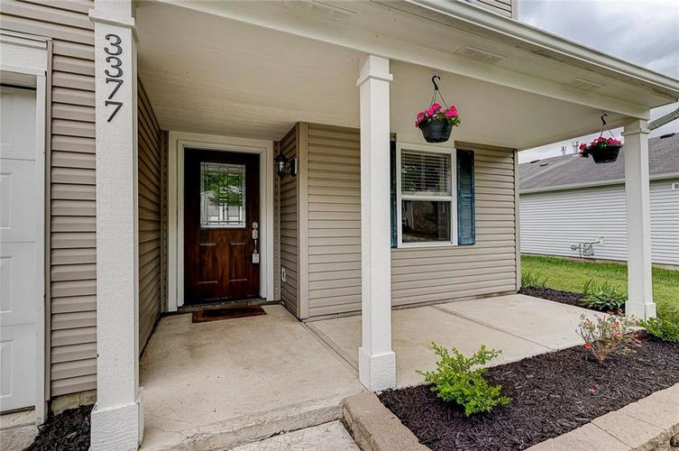 3377 Spring Wind Lane Indianapolis IN 46239 | MLS 21714825 | photo 2