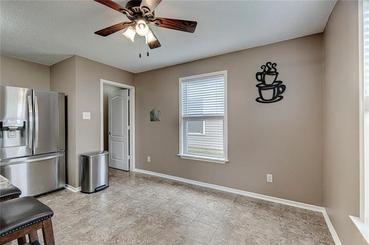 3377 Spring Wind Lane Indianapolis IN 46239 | MLS 21714825 | photo 7