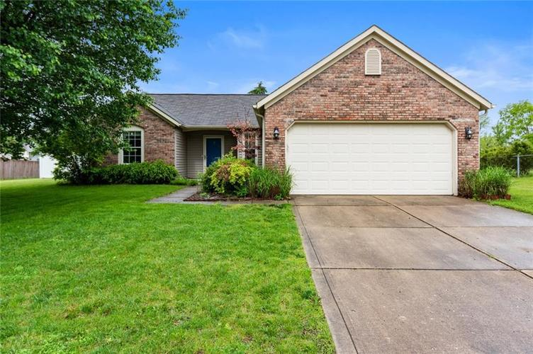 7318 CRICKWOOD Place Indianapolis IN 46268   MLS 21714885   photo 1