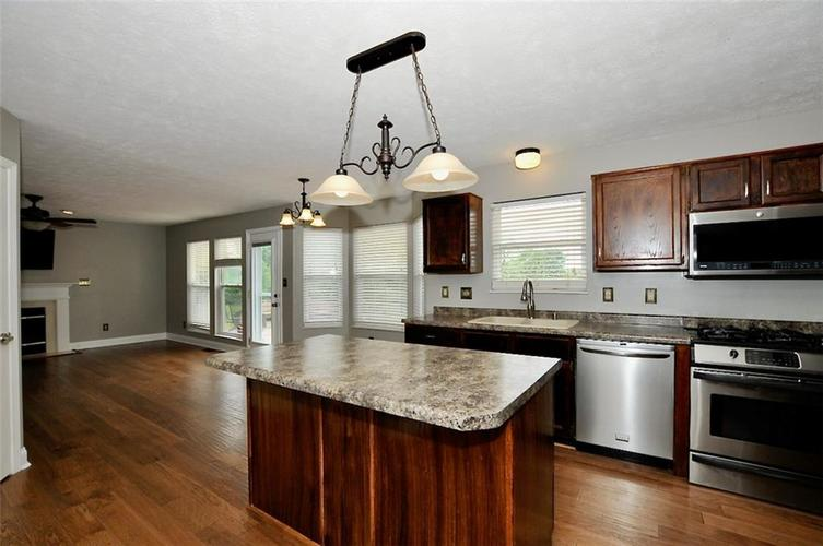 7408 Bancaster Drive Indianapolis IN 46268   MLS 21714915   photo 12