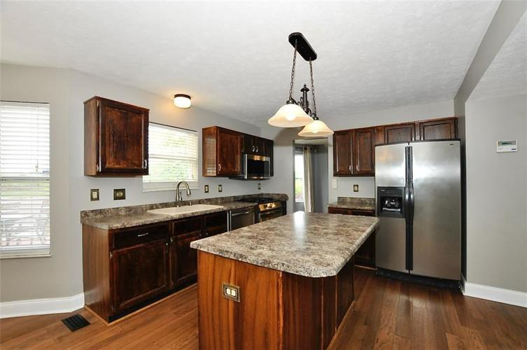 7408 Bancaster Drive Indianapolis IN 46268   MLS 21714915   photo 13