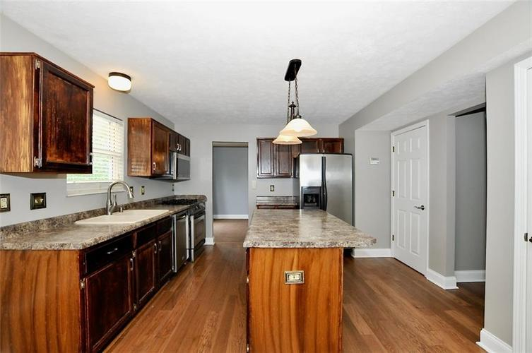 7408 Bancaster Drive Indianapolis IN 46268   MLS 21714915   photo 14