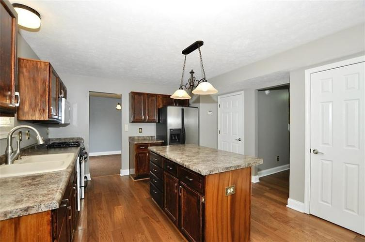 7408 Bancaster Drive Indianapolis IN 46268   MLS 21714915   photo 15