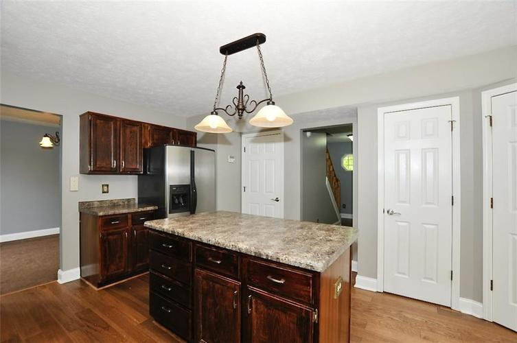 7408 Bancaster Drive Indianapolis IN 46268   MLS 21714915   photo 16
