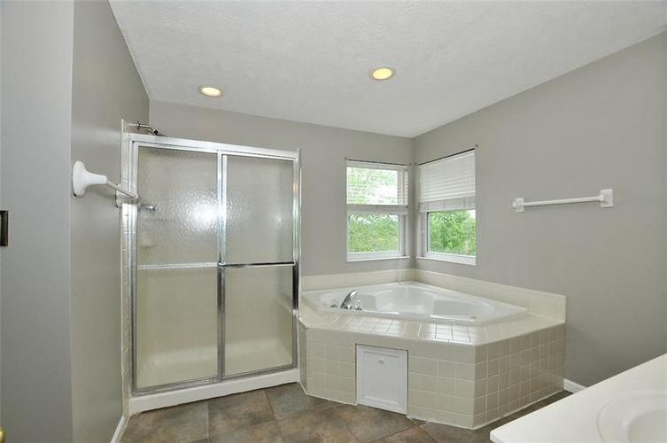 7408 Bancaster Drive Indianapolis IN 46268   MLS 21714915   photo 30