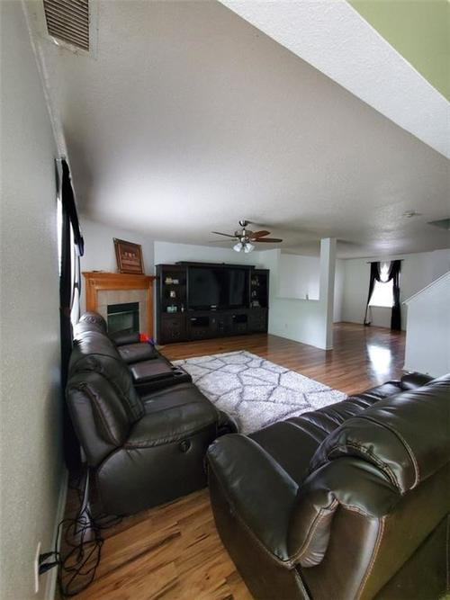 6917 YOUNGBERRY Drive Indianapolis IN 46217 | MLS 21714931 | photo 2
