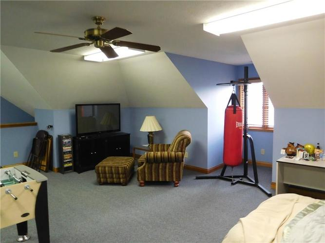 7425 Rooses Drive Indianapolis IN 46217 | MLS 21714987 | photo 24