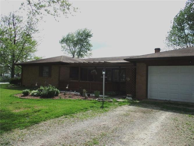 3383 S State Road 47 Crawfordsville IN 47933 | MLS 21715007 | photo 1