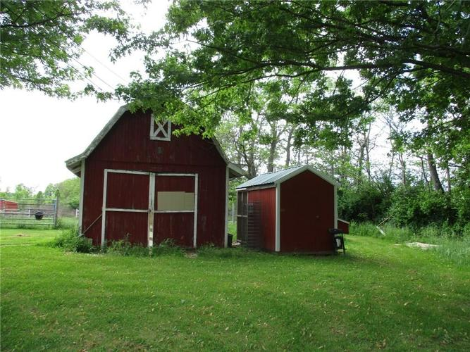 3383 S State Road 47 Crawfordsville IN 47933 | MLS 21715007 | photo 2