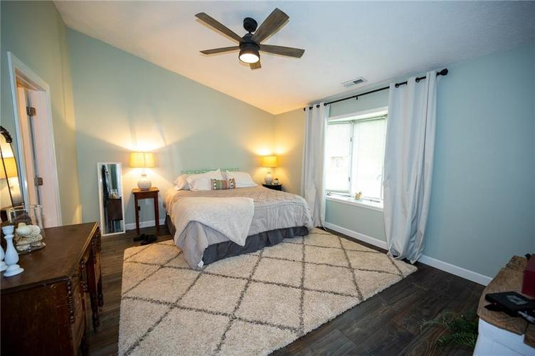 12011 Seven Oaks Drive N Indianapolis IN 46236 | MLS 21715087 | photo 10