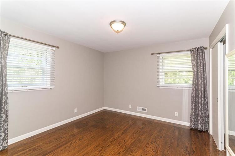 5803 N Parker Avenue Indianapolis IN 46220 | MLS 21715142 | photo 17