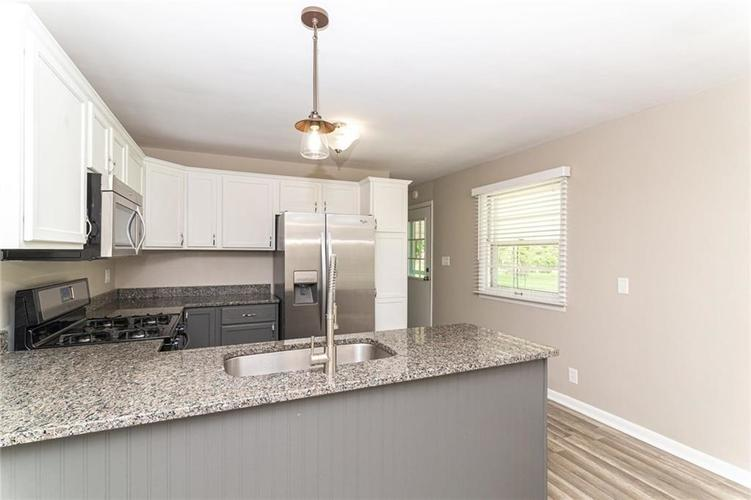 5803 N Parker Avenue Indianapolis IN 46220 | MLS 21715142 | photo 8