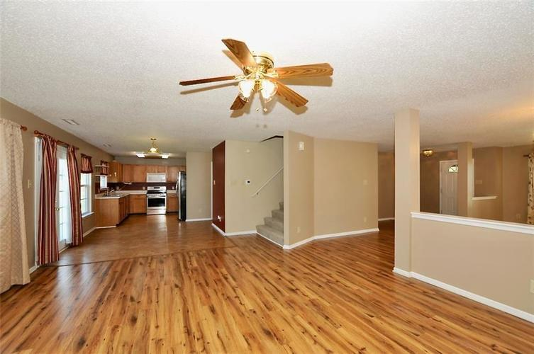 682 Holly Rose Way New Whiteland IN 46184 | MLS 21715181 | photo 12