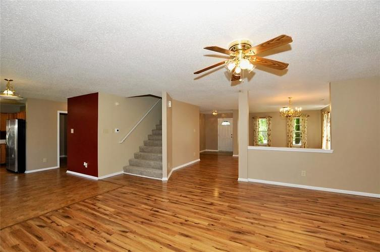 682 Holly Rose Way New Whiteland IN 46184 | MLS 21715181 | photo 13