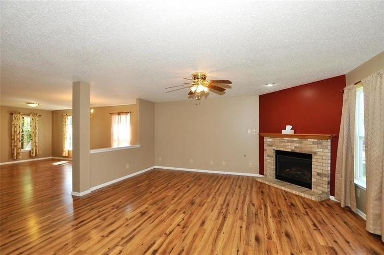682 Holly Rose Way New Whiteland IN 46184 | MLS 21715181 | photo 14