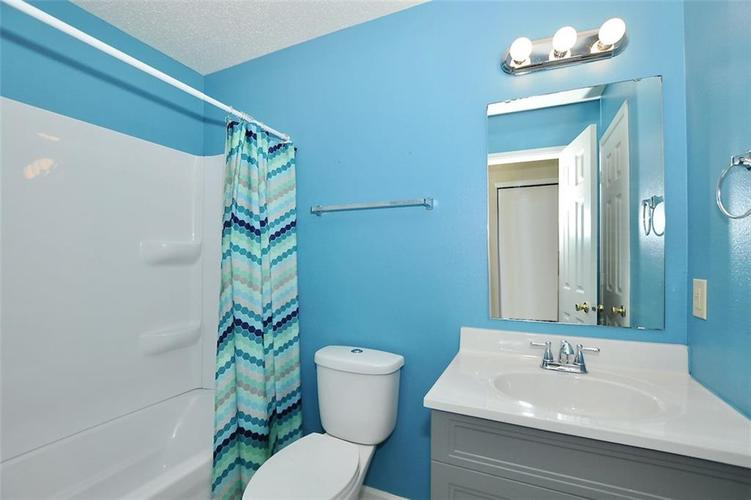 682 Holly Rose Way New Whiteland IN 46184 | MLS 21715181 | photo 25