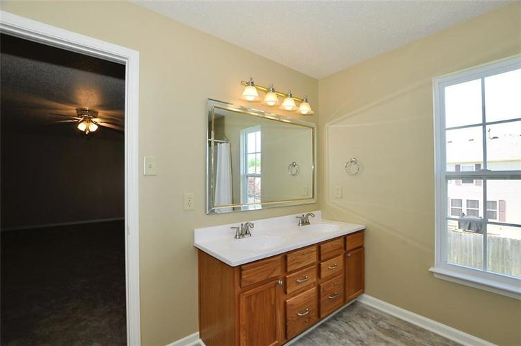 682 Holly Rose Way New Whiteland IN 46184 | MLS 21715181 | photo 36