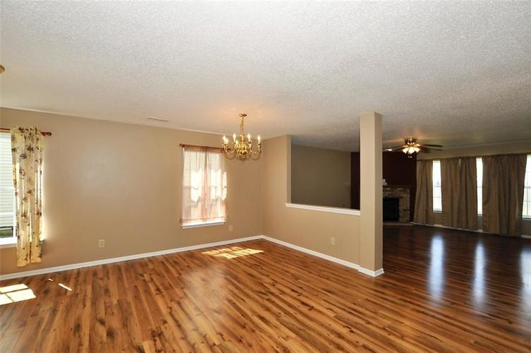 682 Holly Rose Way New Whiteland IN 46184 | MLS 21715181 | photo 7