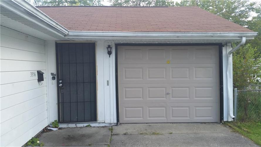 3956 N Mitthoeffer Road Indianapolis IN 46235 | MLS 21715365 | photo 2
