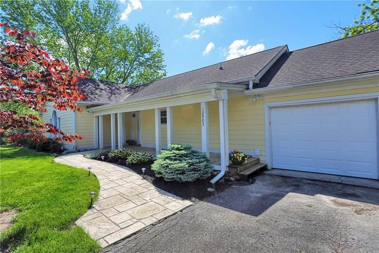12905 Wembly Court Carmel IN 46033   MLS 21715370   photo 2
