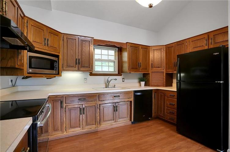 12905 Wembly Court Carmel IN 46033   MLS 21715370   photo 7