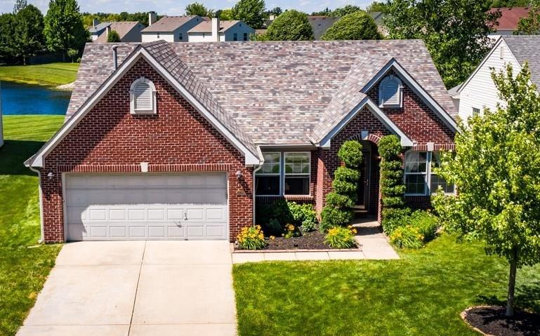5530 Dill Court Indianapolis IN 46237 | MLS 21715399 | photo 1